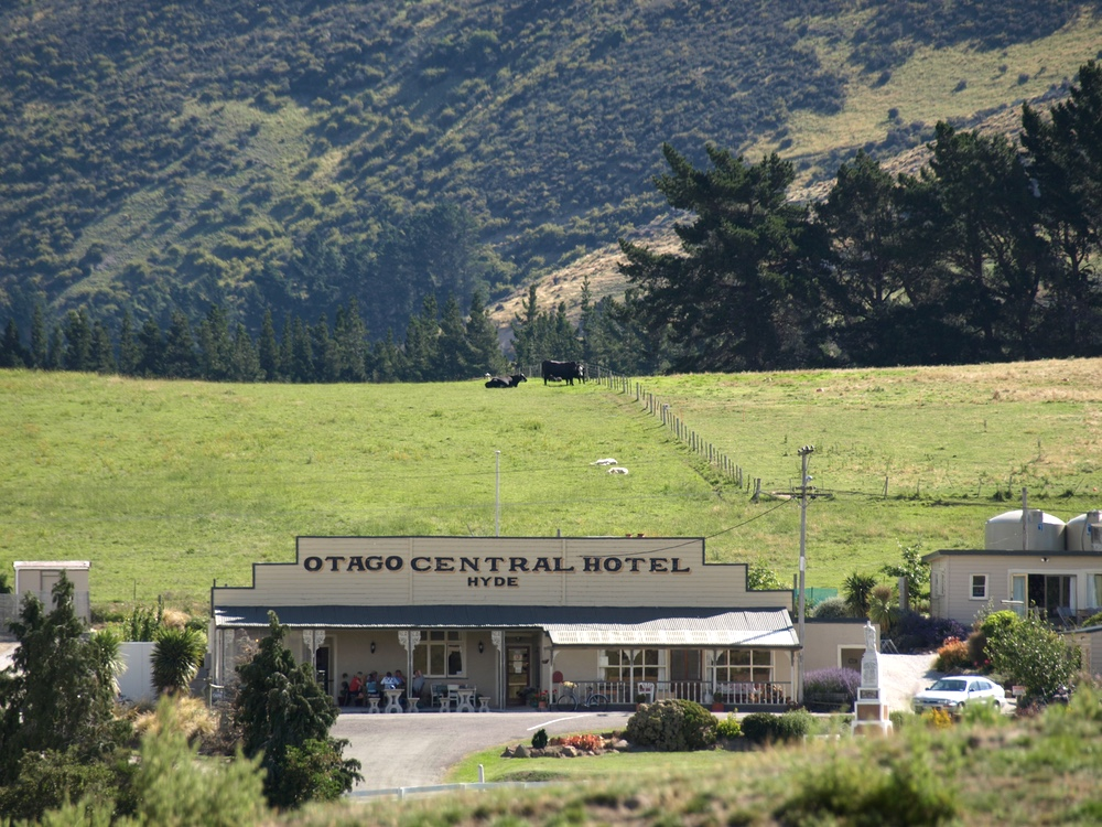 the Otago Central Hotel, Hyde