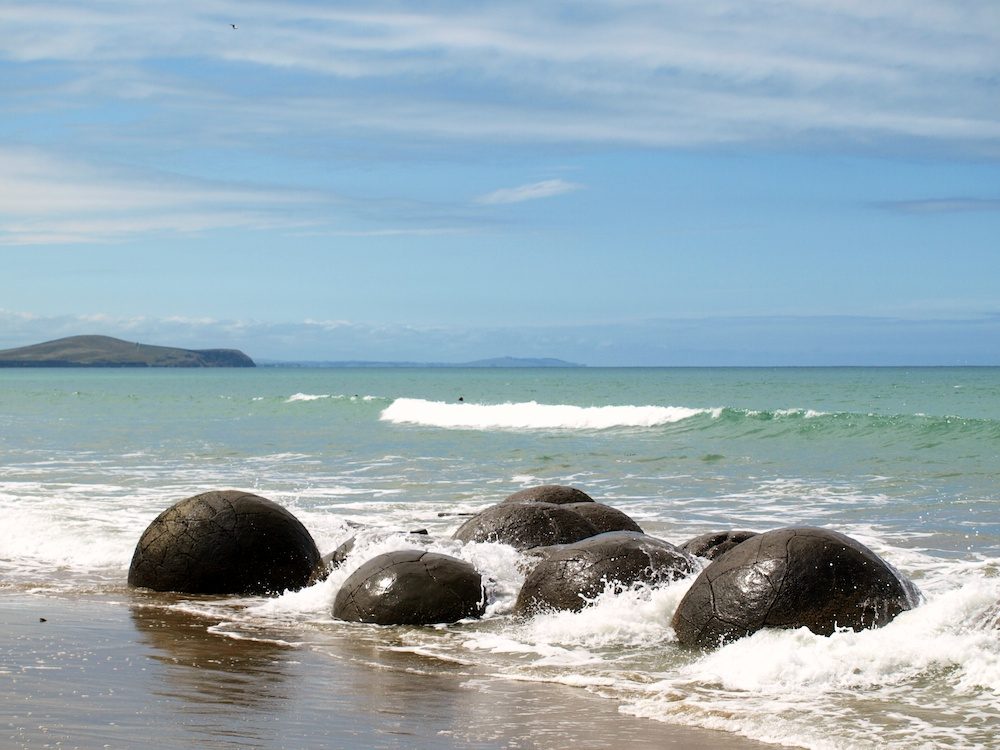 Moeraki Boulders plus Hectors Dolphins; January 2012